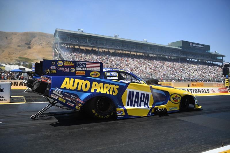 Ron Capps Sonoma NHRA NAPA AUTO PARTS funny car