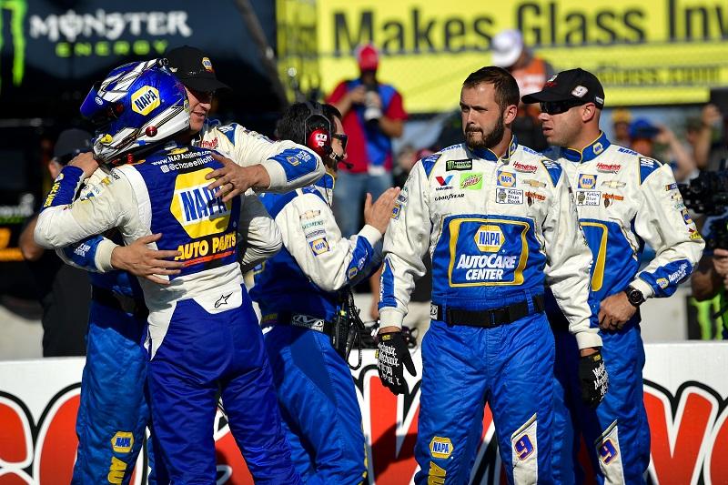 #9: Chase Elliott, Hendrick Motorsports, Chevrolet Camaro NAPA AUTO PARTS and crew celebrate after winning