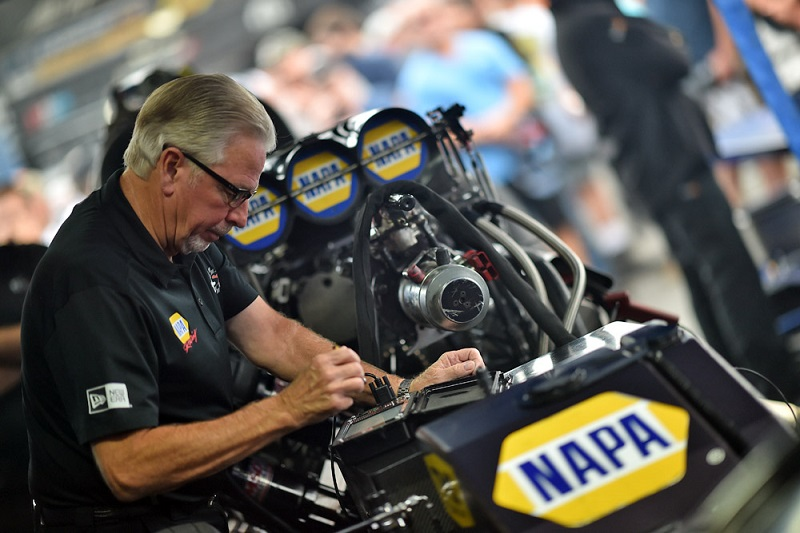 Ron Capps NHRA Countdown 2019 NAPA Filters Funny Car Maple Grove