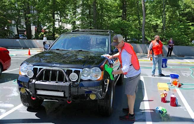 washing a Jeep