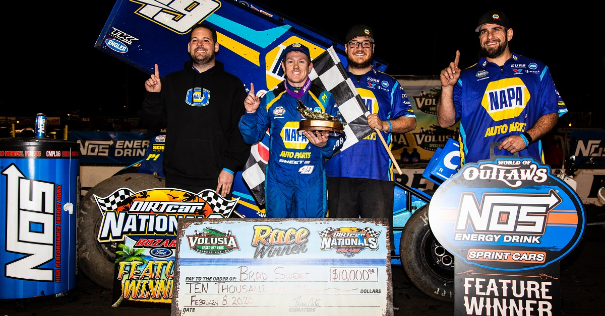 Brad Sweet 49 NAPA AUTO PARTS sprint car DIRTcar Nationals 2020 Outlaws win