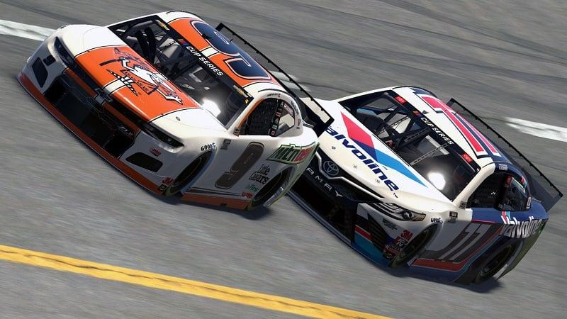 Chase Elliott Talladega iRacing eNASCAR 2020 leading Bowman
