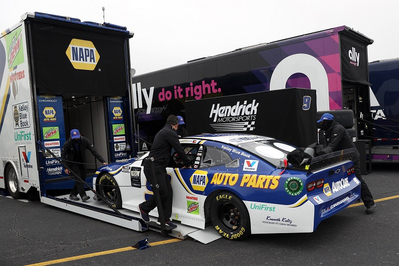 DARLINGTON, SOUTH CAROLINA - MAY 20: Crew members unload the #9 NAPA Auto Parts Chevrolet, driven by Chase Elliott in the garage area prior to the during the NASCAR Cup Series Toyota 500 at Darlington Raceway on May 20, 2020 in Darlington, South Carolina. (Photo by Chris Graythen/Getty Images)