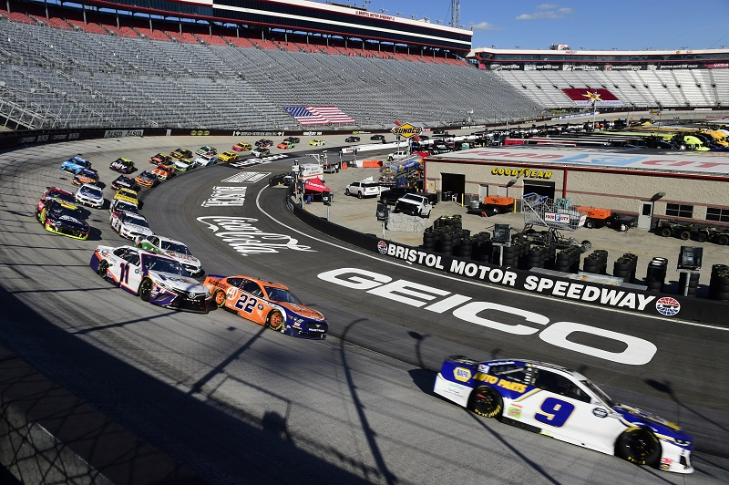 BRISTOL, TENNESSEE - MAY 31: Chase Elliott, driver of the #9 NAPA Auto Parts Chevrolet, leads a pack of cars during the NASCAR Cup Series Food City presents the Supermarket Heroes 500 at Bristol Motor Speedway on May 31, 2020 in Bristol, Tennessee. (Photo by Jared C. Tilton/Getty Images)