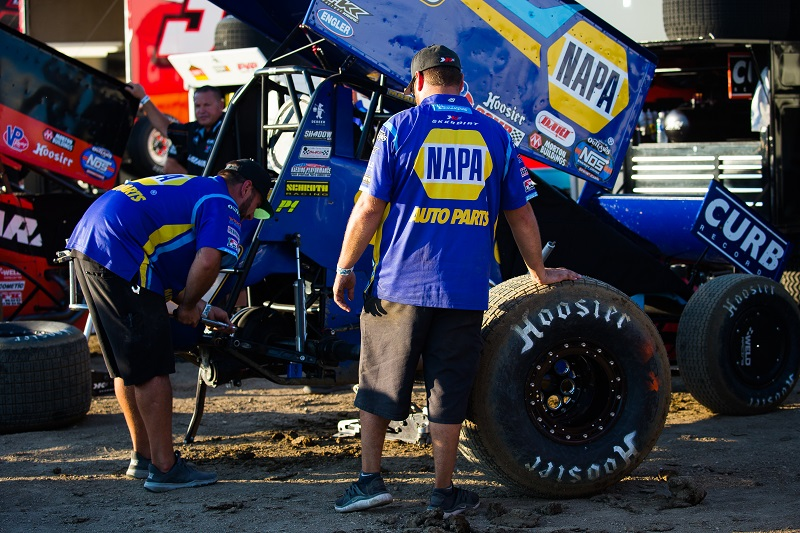 Brad Sweet NAPA AUTO PARTS 49 World of Outlaws sprint car 34 Raceway Wilmot Terre Haute