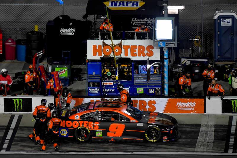 #9: Chase Elliott, Hendrick Motorsports, Chevrolet Camaro Hooters