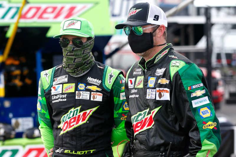 #9: Chase Elliott, Hendrick Motorsports, Chevrolet Camaro Mountain Dew/Team Rubicon, crew chief Alan Gustafson