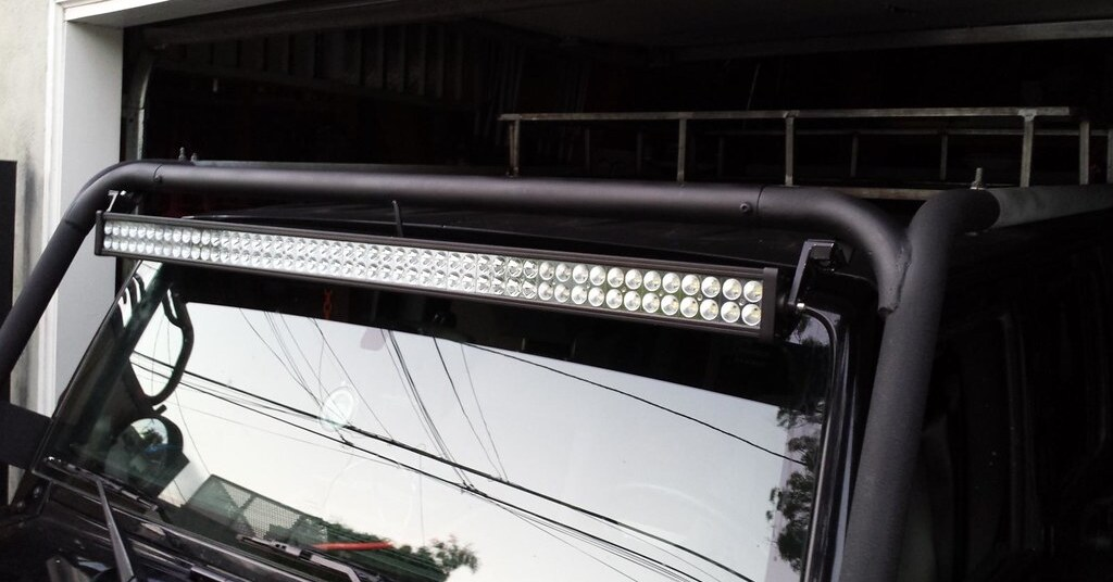 Light bar on vehicle