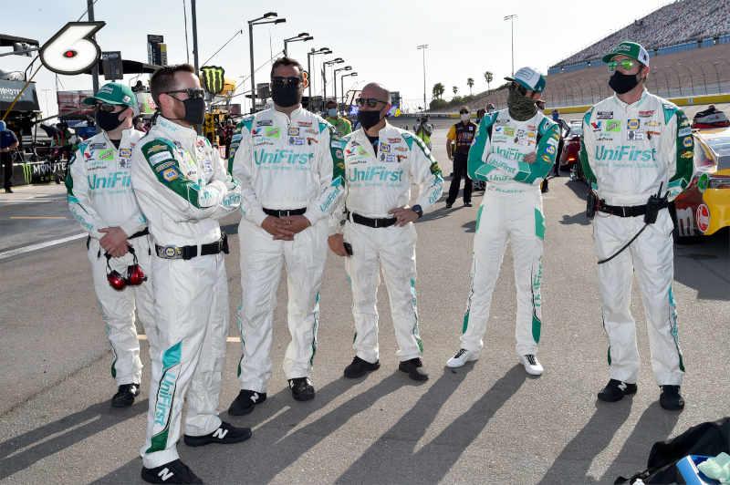 #9: Chase Elliott, Hendrick Motorsports, Chevrolet Camaro Unifirst Crew