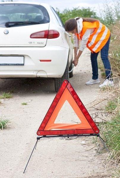 https://pixabay.com/photos/car-accident-round-tire-tires-auto-5397633/