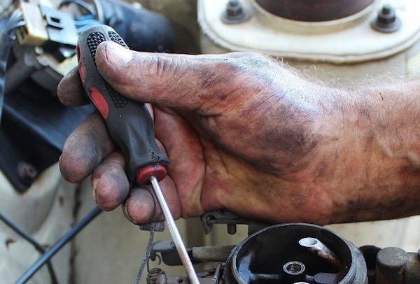 tuning a carburetor