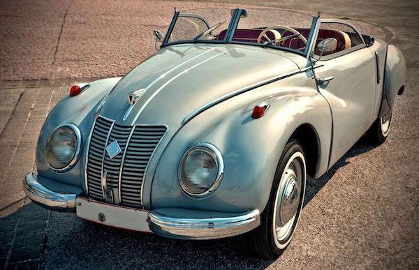 https://www.pexels.com/photo/auto-automobile-automotive-car-210053/