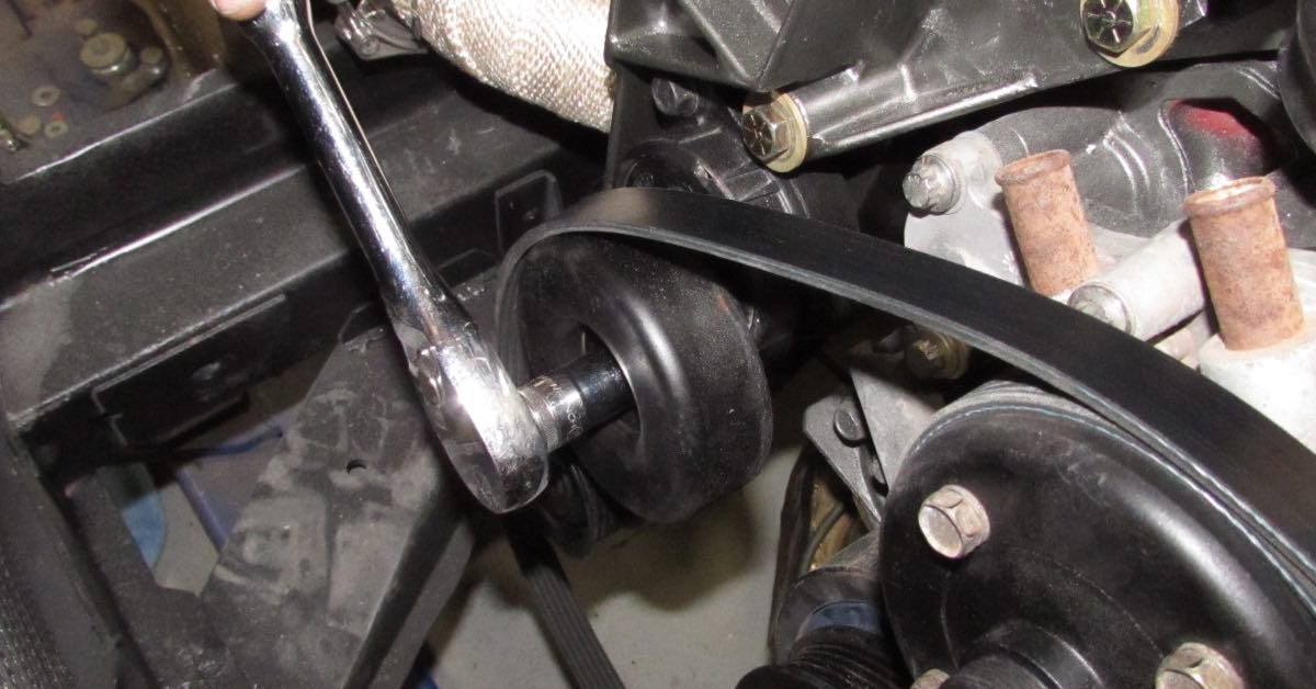 Diagnosing Engine Drive Belt Tensioner Failure