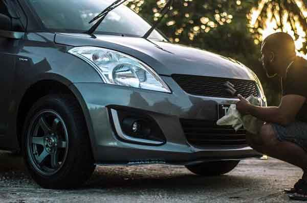 By learning how to clay bar a car, you can keep your vehicle spotlessly clean.