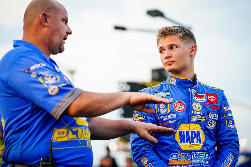 #19: Derek Kraus, McAnally Hilgemann Racing, Toyota Tundra NAPA Power Premium Plus