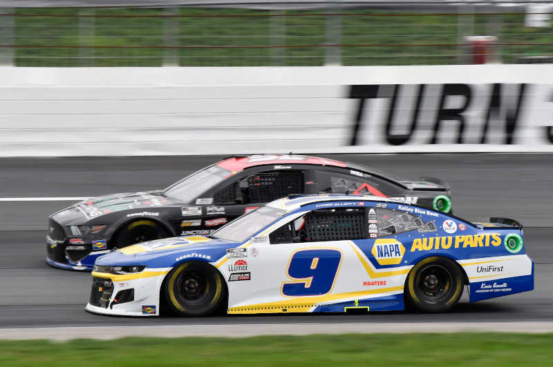 #9: Chase Elliott, Hendrick Motorsports, Chevrolet Camaro NAPA Auto Parts, #52: Josh Bilicki, Rick Ware Racing, Ford Mustang