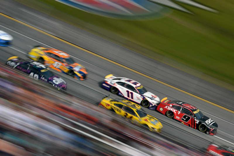 #9: Chase Elliott, Hendrick Motorsports, Chevrolet Camaro Adrenaline Shoc