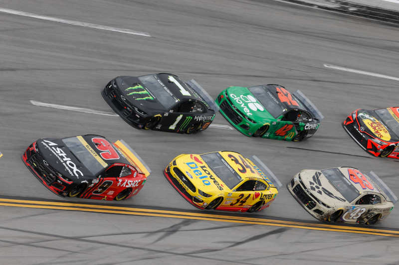 #9: Chase Elliott, Hendrick Motorsports, Chevrolet Camaro Adrenaline Shoc, #1: Kurt Busch, Chip Ganassi Racing, Chevrolet Camaro Monster Energy, #34: Michael McDowell, Front Row Motorsports, Ford Mustang Love's Travel Stops